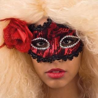 Masque carnaval avec rose rouge