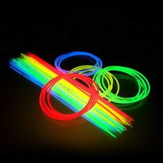 25 colliers couleurs fluo